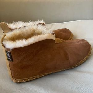 L.L. Bean Wicked Good Slippers size 9